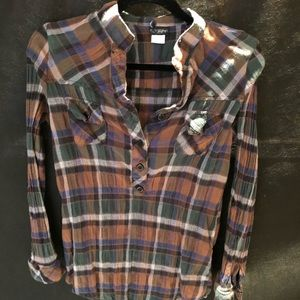 Daytrip plaid top from buckle